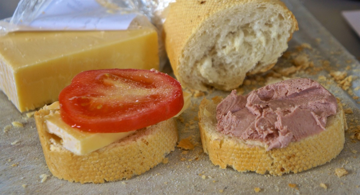 Mar 6: Baguette with tomato and cheese or liverwurst; Eggplant, sausage and ziti casserole