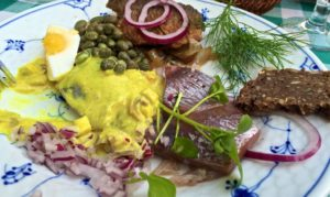 Restaurant Kronberg: Mixed herring platter: pickled, curried and fried.