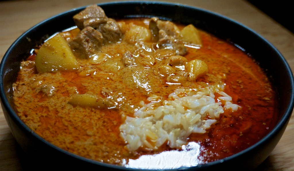 Jan 27: Manhattan Clam Chowder; Beef Massaman Curry with Rice