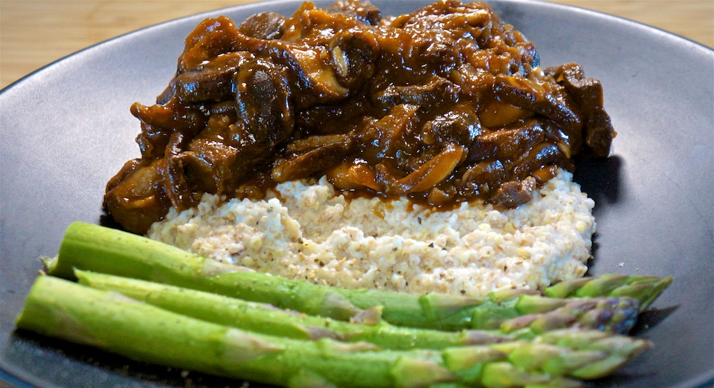 May 20: Chicken, Avocado and Blue Cheese Wrap; Braised Beef and Mushrooms with Cheesy Grits and Asparagus