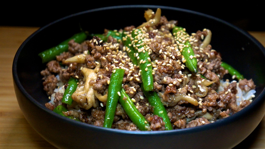 Oct 18: Supermarket Sushi; Stir-fried Ground Beef with Oyster Mushrooms, Green Beans and Oyster Sauce on Brown Rice