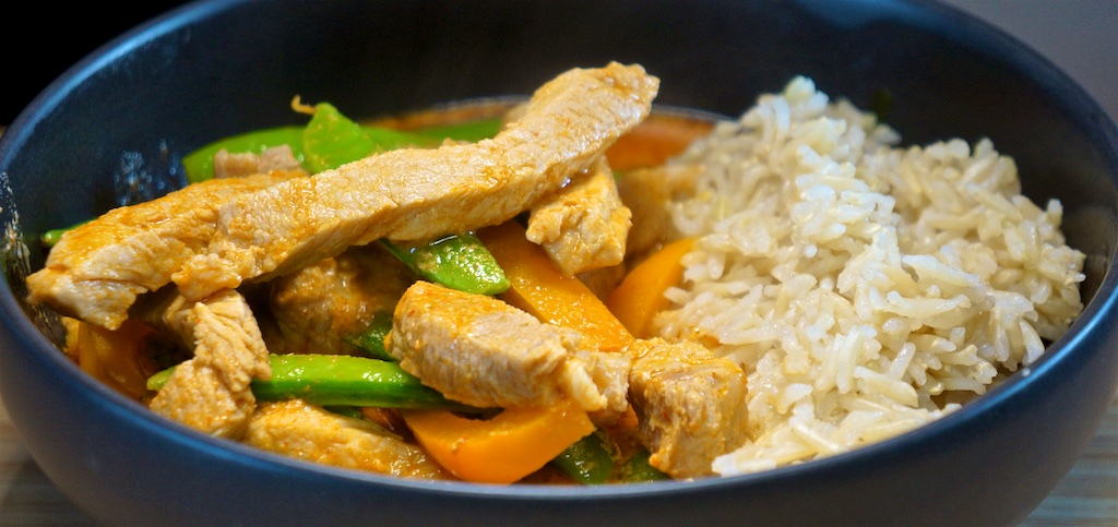 May 25: Pastrami Bagel, Tuna Salad Bagel; Thai Pork Curry with Brown Rice