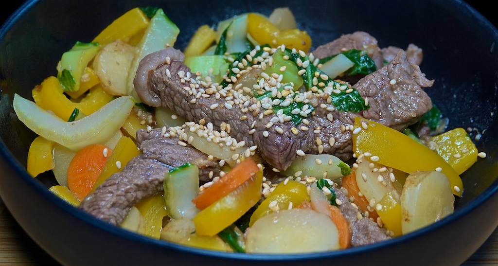 Apr 16: Supermarket Sushi; Beef Stir-Fry with Bell Peppers, Carrots and Bok Choy