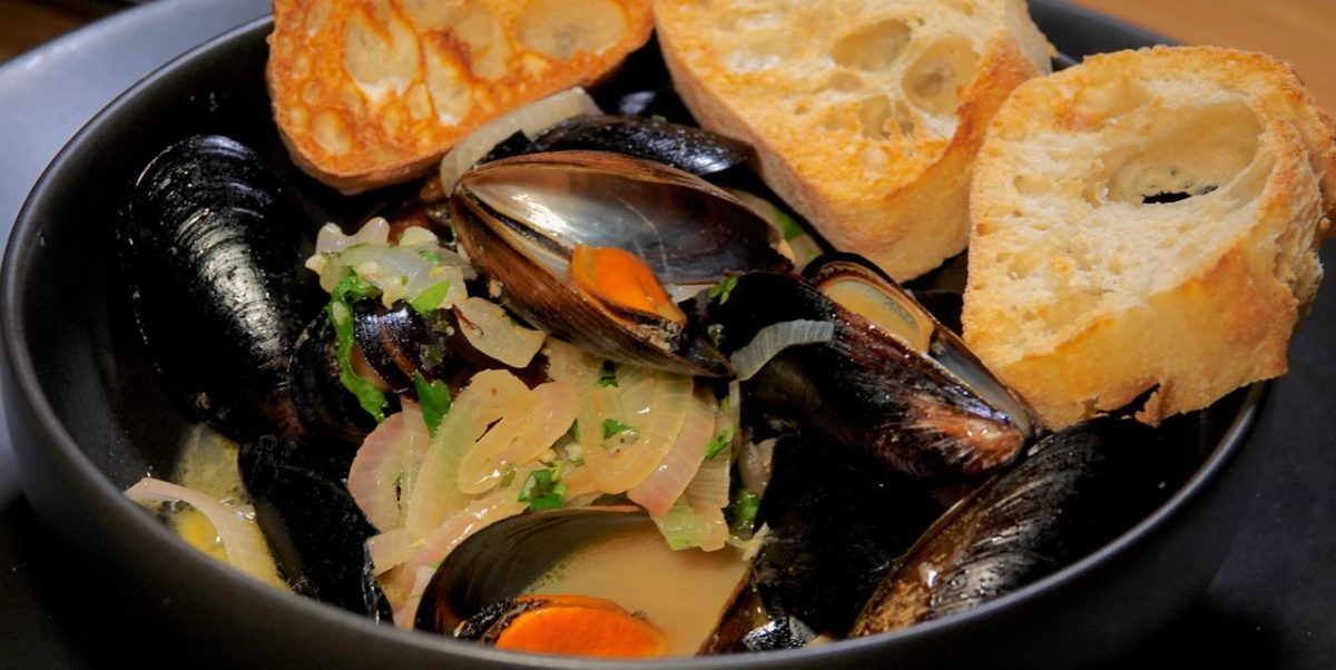 Feb 17: Popeyes Fried Chicken; Mussels in White Wine Sauce with Baguette Rounds